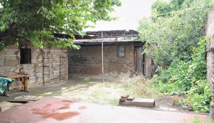 Venta Casa de Esquina con Terreno en Pedro Fontova