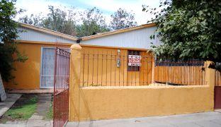 Casa en Venta con Amplio Patio y Antejardín sector Diego Silva