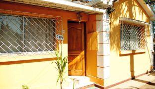 Amplia Casa Familiar Cuatro Dormitorios 370m² / Conchalí