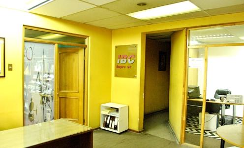 Amplia Propiedad Comercial con Oficinas y Galpón – Av Recoleta en Casas en Venta Propiedad Comercial en Venta Casas en Venta en Propiedades Comerciales y Terrenos en Recoleta