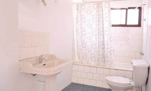 Propiedades con Crédito Hipotecario Sector Amplia Casa 2 Dormitorios, Antejardín y Patio Trasero en Conchalí  en Venta Conchalí