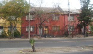Casa de dos Pisos en Independencia con Einstein