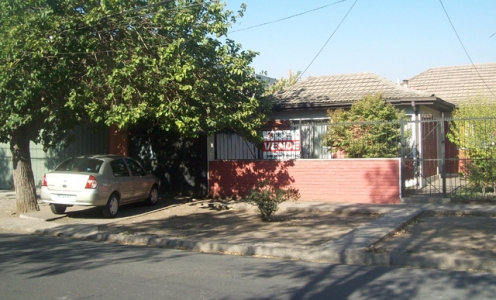 Propiedades Venden 2012 Sólida y Amplia Casa en Venta Independencia en Independencia Casa con Entrada de Autos en Venta Independencia