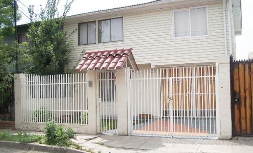 Casa en Venta cerca de Barrio Lo Cruzat, Quilicura Amplia Casa de Dos Pisos en Los Amerindios Quilicura en Quilicura Casa Grande en Venta Quilicura