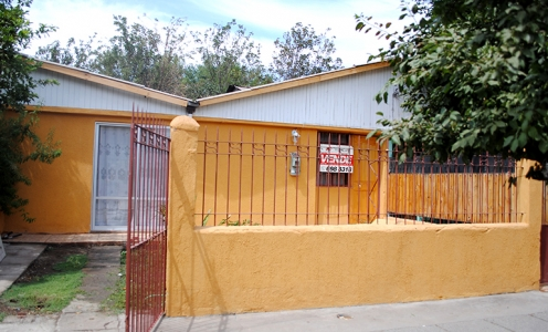 Casa en Venta con Amplio Patio y Antejardín sector Diego Silva en Conchalí Casa con Patio en Venta Conchalí