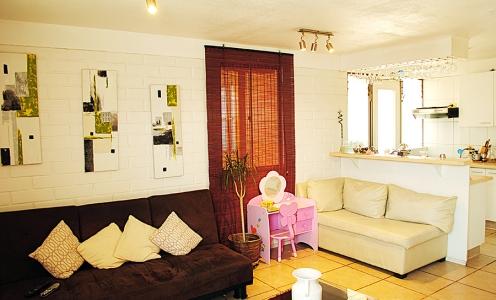 Barrio Encomenderos Villa Encomenderos Proyectos Amplia e Impecable Casa en Venta Barrio Encomenderos de Quilicura en Quilicura Casa Aislada con Patio en Venta Quilicura