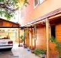 Amplia Casa Familiar de Dos Pisos / 6 Dormitorios en Recoleta: