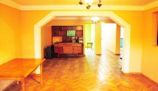 Amplia e Impecable Casa en Recoleta / Metro Zapadores