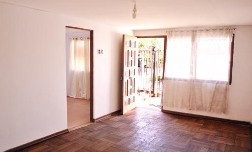 Propiedades Conchalí Venta Amplia Casa 2 Dormitorios, Antejardín y Patio Trasero en Conchalí  en Venta Conchalí