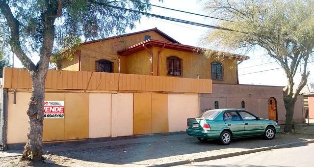 Gran Casa Esquina 6 Dormitorios 2 Locales Comerciales – Recoleta