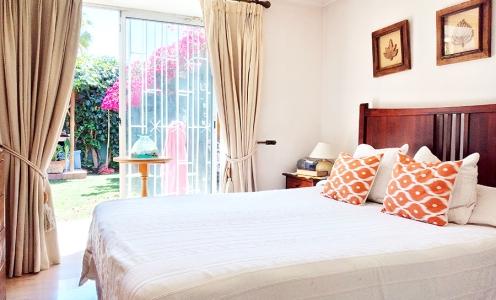 Condominio cerrado en Quilicura Impecable Casa Familiar 3 Dormitorios y Patio – Quilicura en Quilicura Casa de Esquina en Venta Quilicura