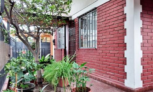 Aqueveque Conchali Propiedades Linda Casa Esquina 3 Dormitorios en Buen Barrio de Conchalí en Casas en Venta Casa en Venta Conchalí en Venta Casas en Venta en Conchalí
